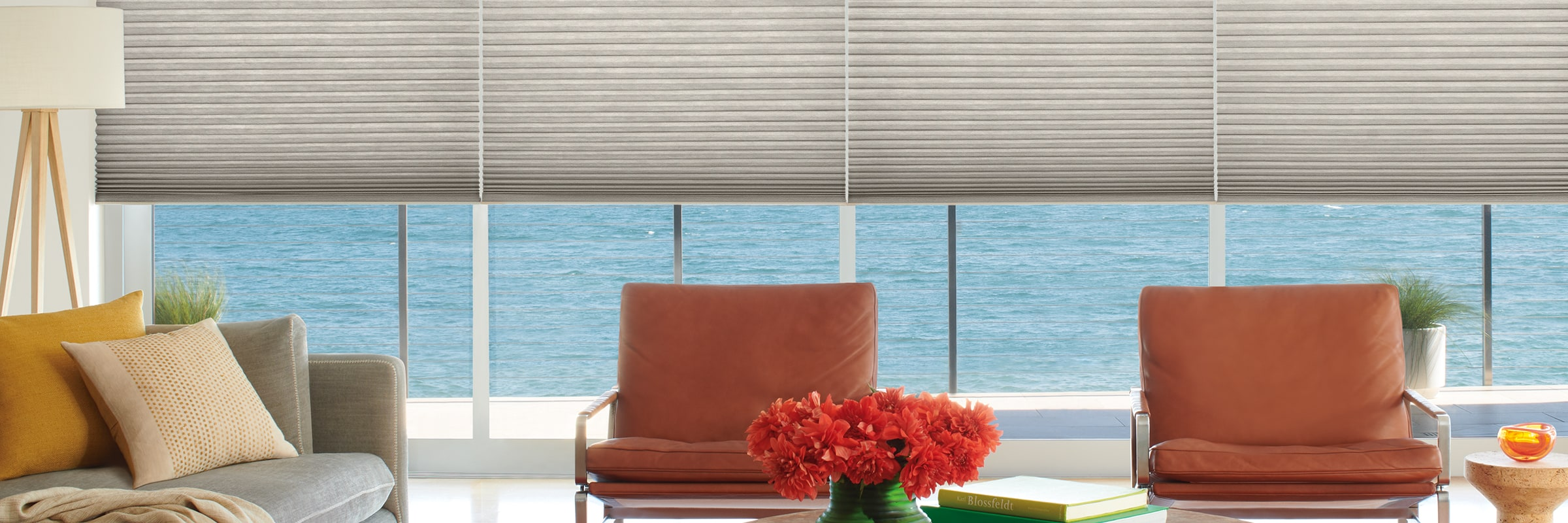 Honeycomb blinds in Architella Alexa Metallic™ Ceti - Duette