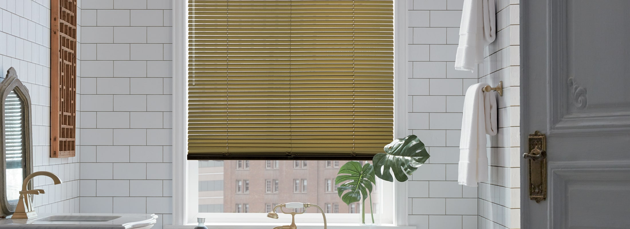 Horizontal Aluminum Blinds in Décor Aluminum Vintage Gold Brushed - Modern Precious Metals