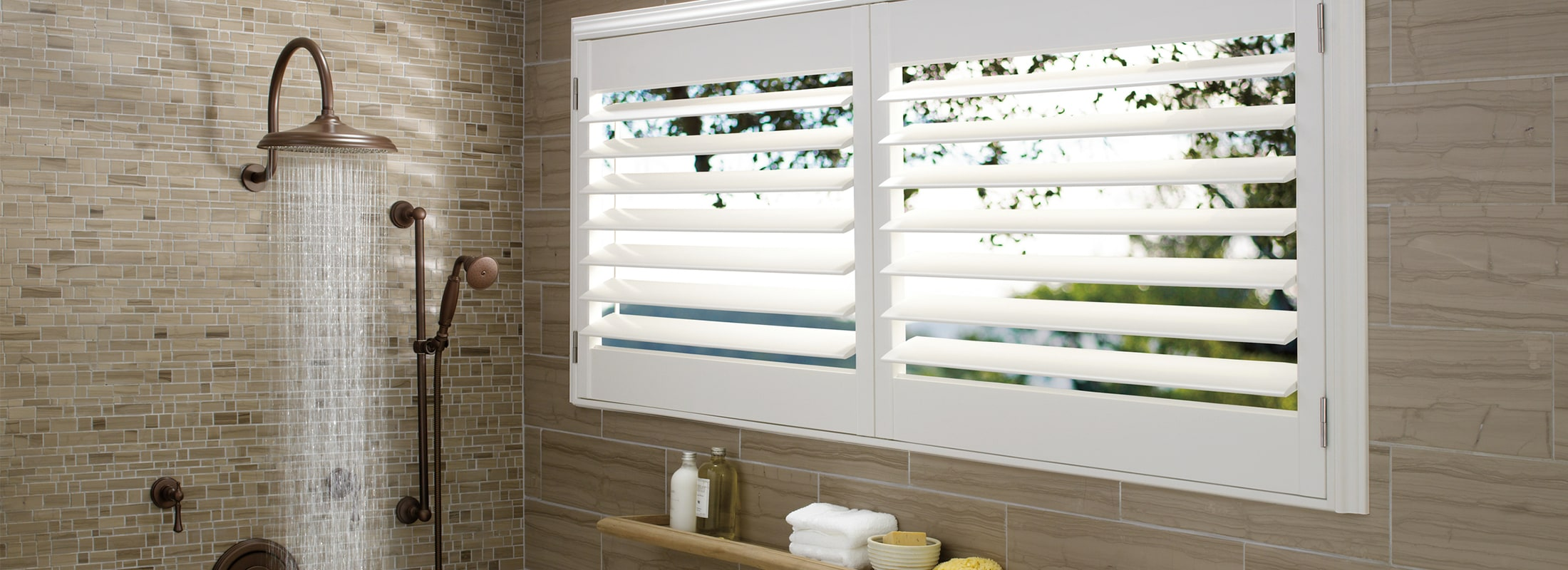 Indoor shutters in Polysatin™ Bright White - Palm Beach