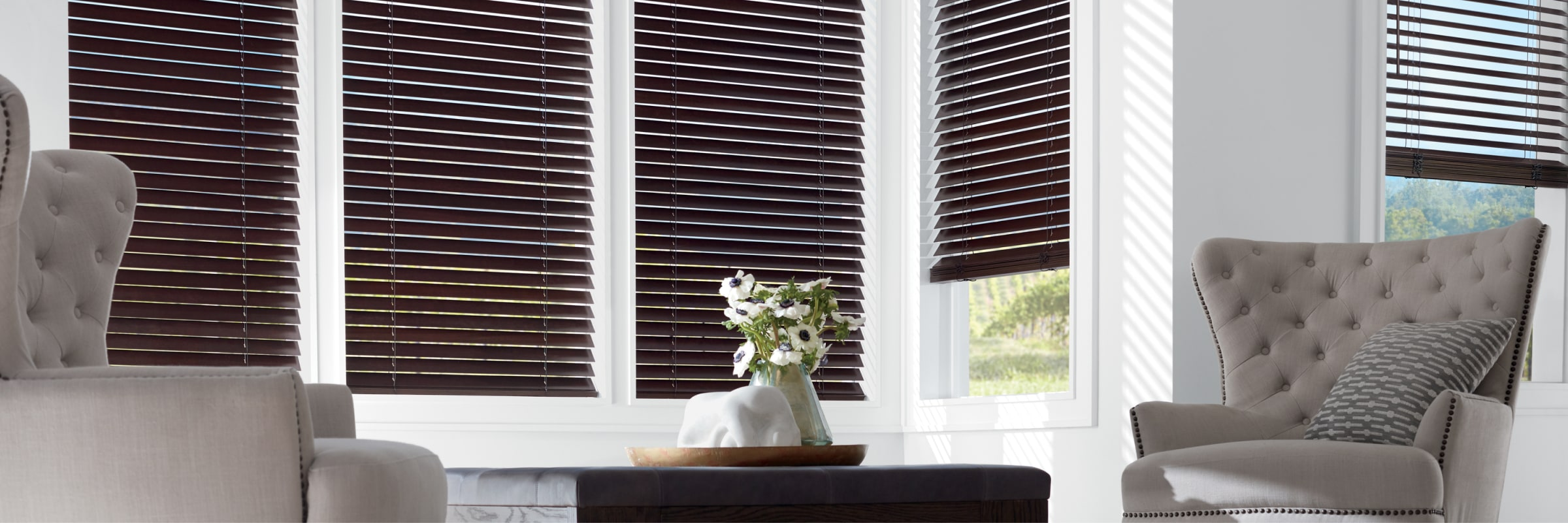 Wooden blinds in Classics Basswood Espresso - Parkland