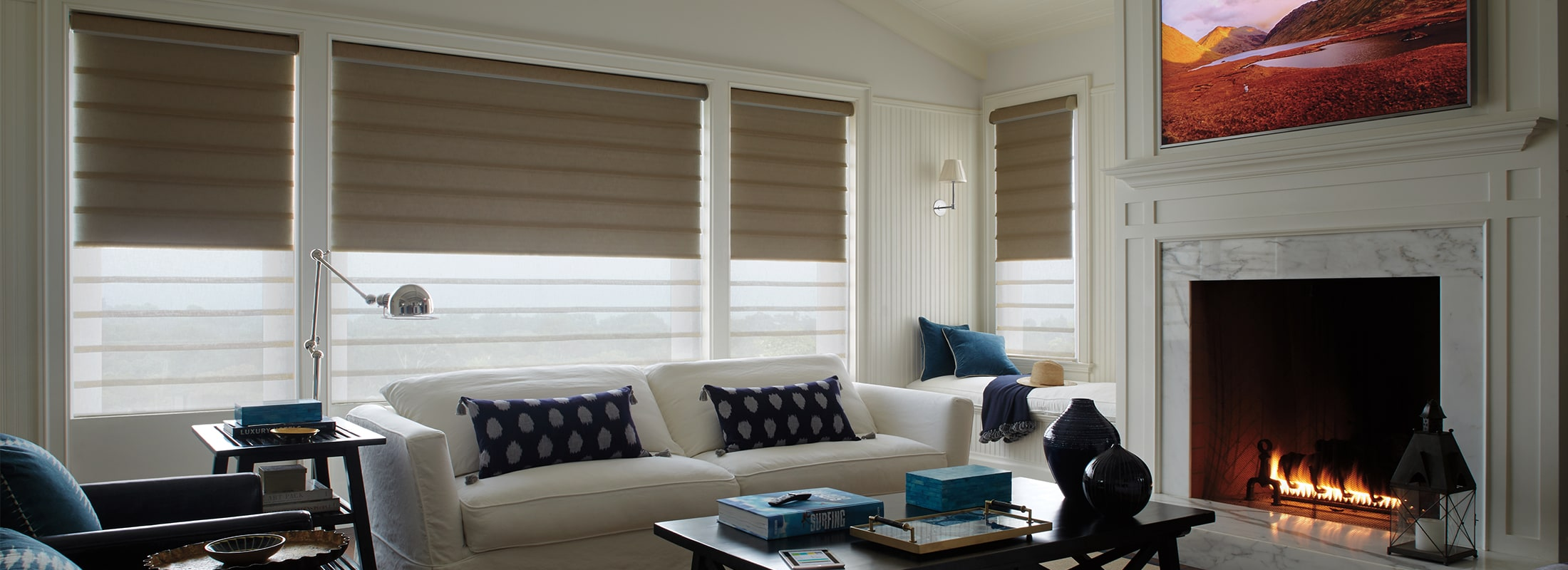 Modern roman shades in Leela Escape – Vignette