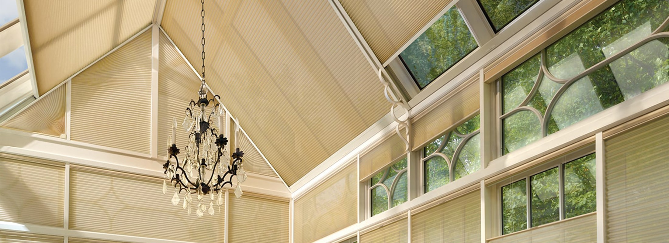 Skylight shades with SkyLift™