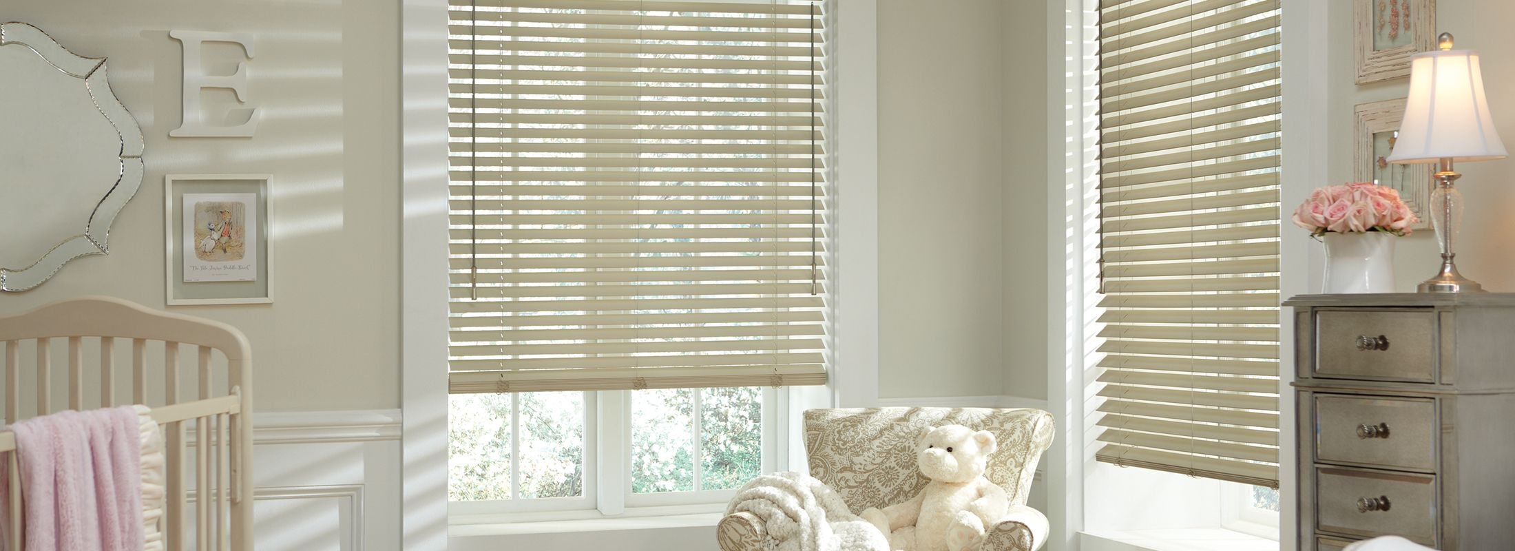 Wooden blinds in Classics™ Basswood Malted Milk - Parkland