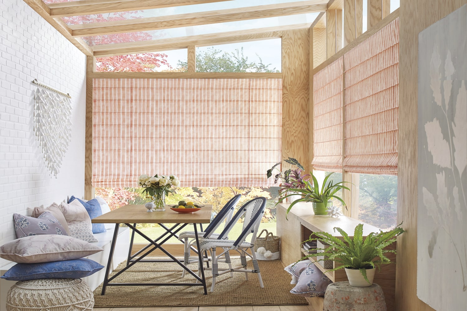 Design Studio Dotted Stripe in Sun Room