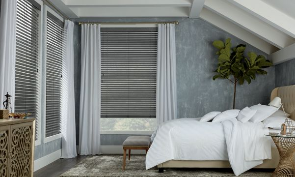 Combining Bedroom Window Treatments and Drapery