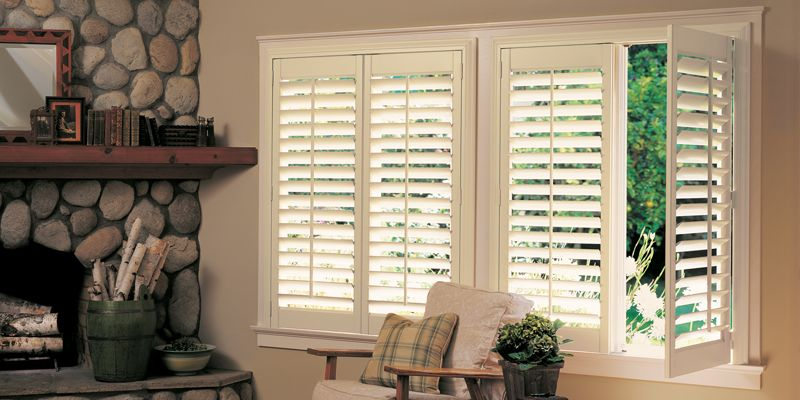 Shutters hinged panels image