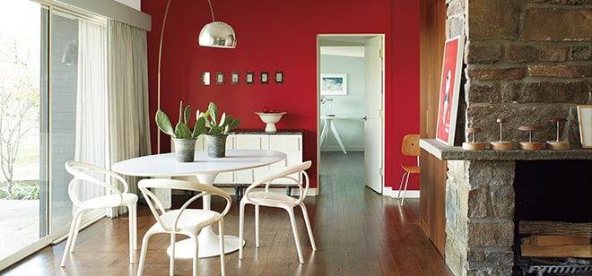 Room with accent-wall in Benjamin Moore Caliente Red color