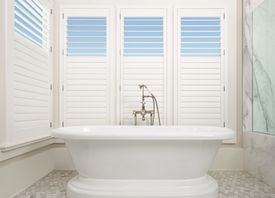 Palm Beach<sup>&amp;trade;</sup> Polysatin<sup>&amp;trade;</sup> Shutters